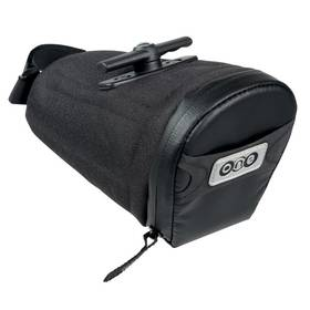 czarna torba na rower pod siodło