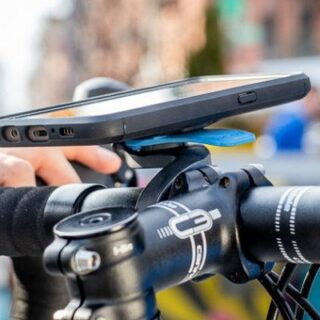 praktyczny uchwyt do telefonu, montowany na kierownicy roweru